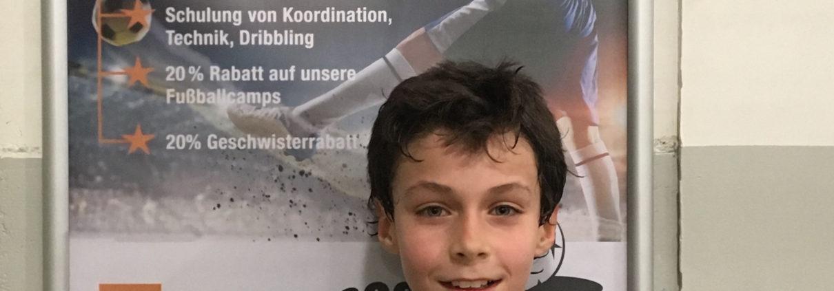 https://www.fussballschule-soccerkids.de/wp-content/uploads/2018/04/Matteo-zum-VFB-.jpg